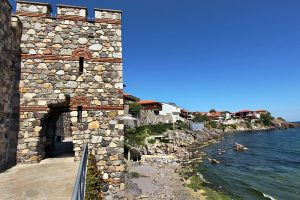 bulgaria-sozopol-old-city-wall-tower-l